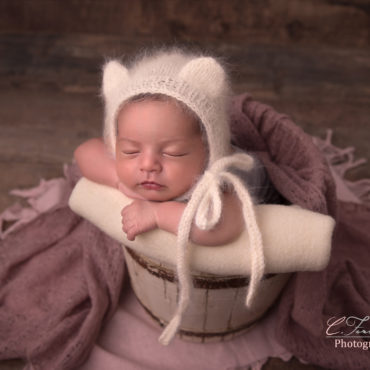 Photographe bébé Marseille, photographe bébé Aix en provence. Photographe bébé Bouches du Rhône. Cindy FERNANDEZ Photographe spécialisée bébé.