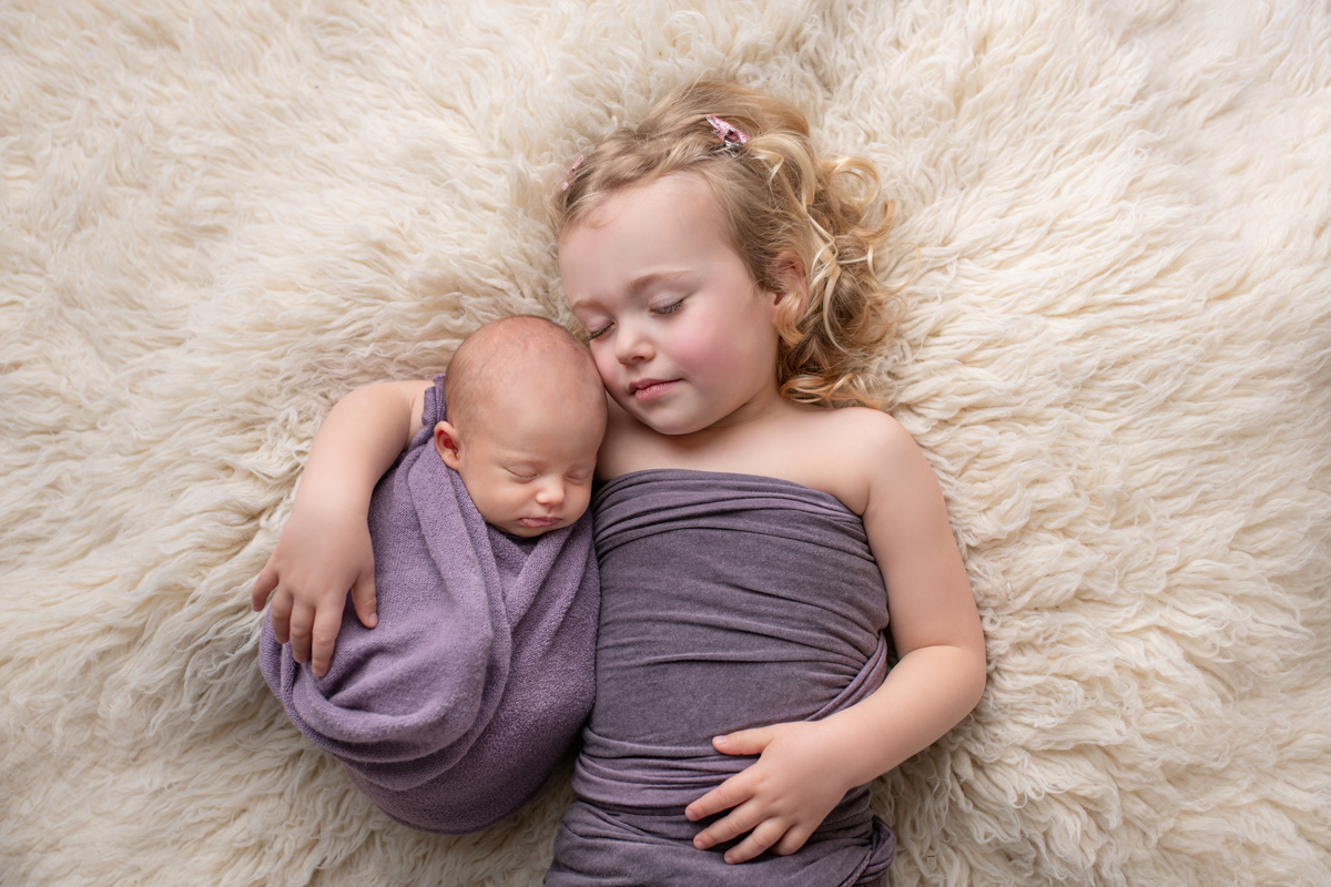 Séance nouveau-né en studio entre Aix-en-provence et Aubagne. Photographe bébé bouches-du-rhône